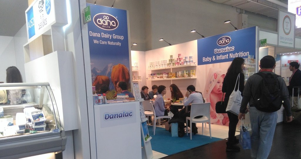 This is a picture of our stand at the ANUGA Cologne 2017 show while people were visiting us.